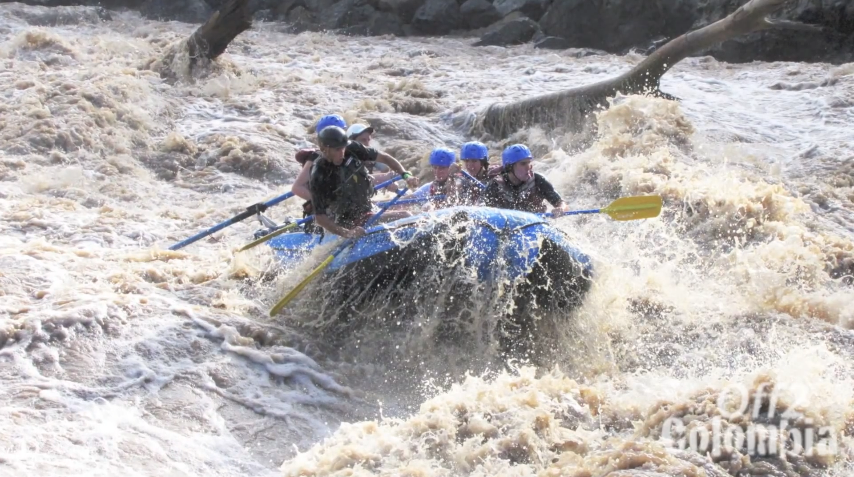 Rafting in San Gil Colombia - 3m Waves on the Rio Suarez