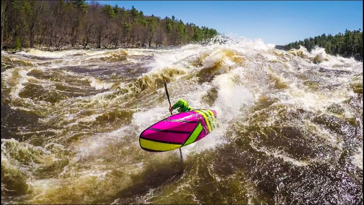 Kayaking Freestyle and much Fun with Nick Troutman and crew