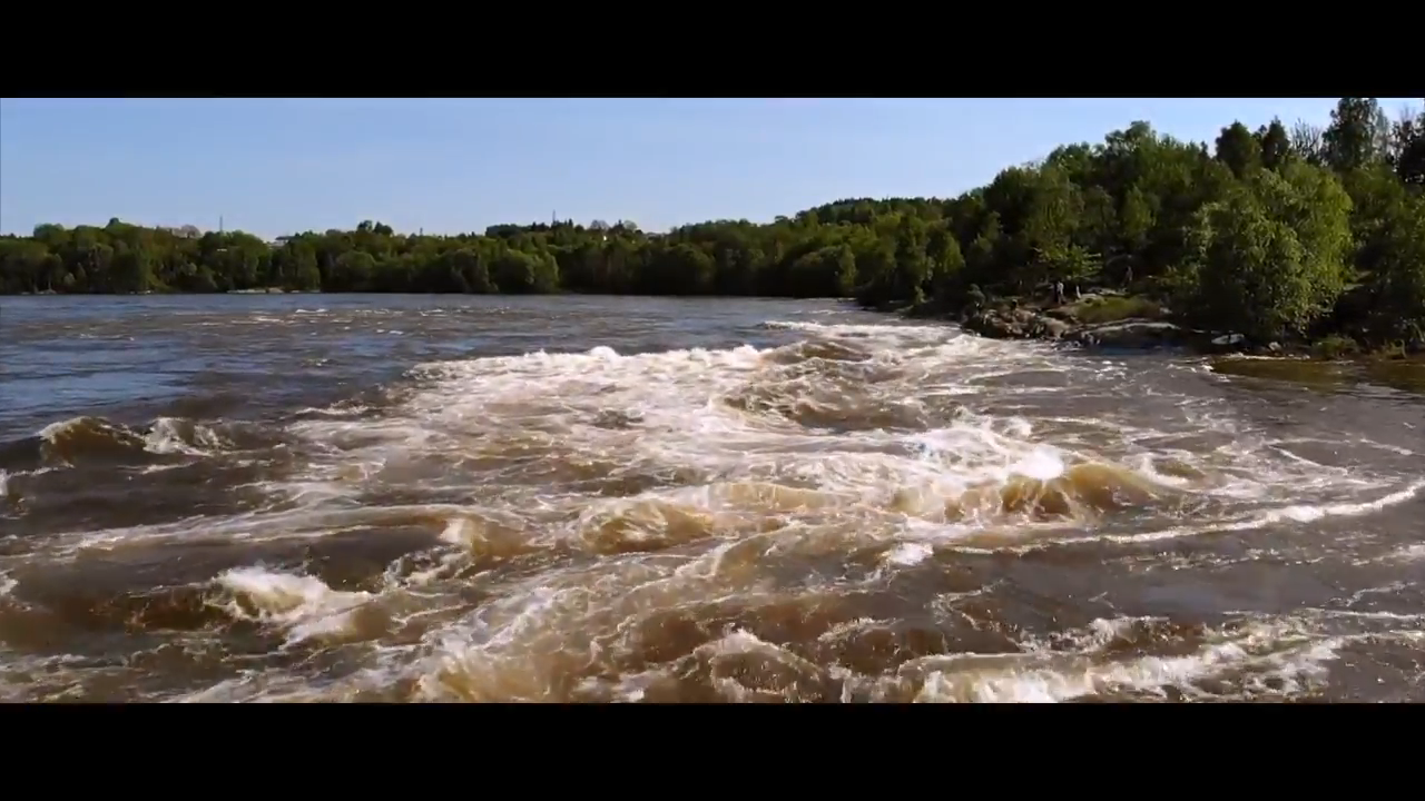 Screenshotter RiverSurfingGlommaNorway 0'10""
