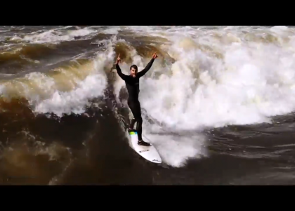Screenshotter RiverSurfingGlommaNorway 1'53""