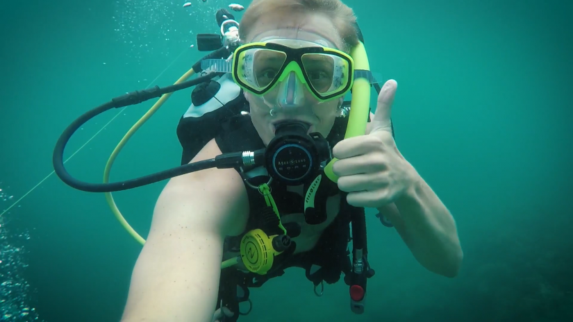 "Screenshotter ExploringTheUnderwaterWorldScubaDivingBigIslandHawaii 4'39"""