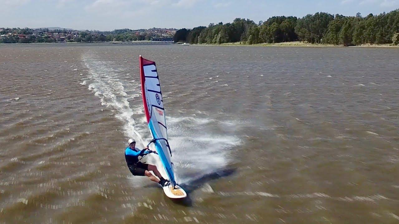 Velocità di windsurf a Primbee