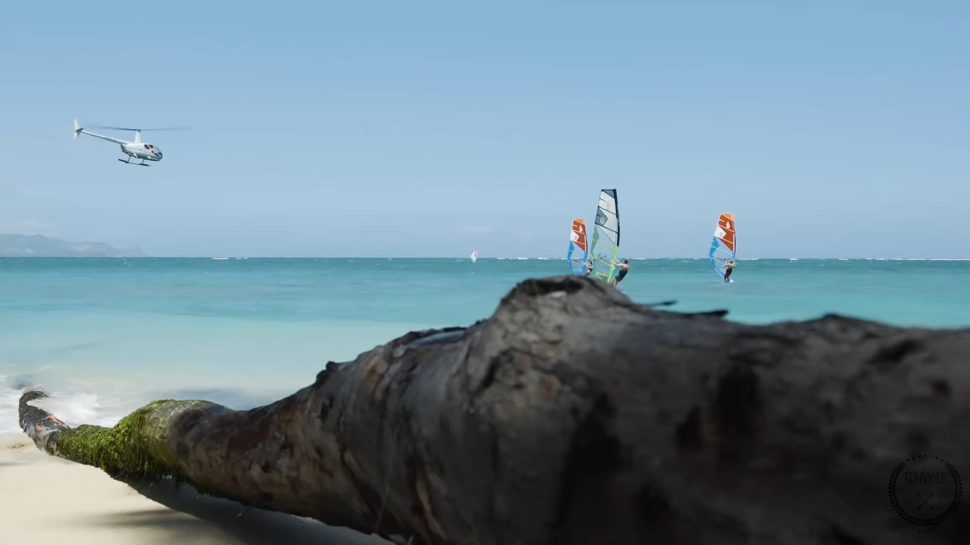 "Screenshotter ExtremeFoilWindsurfingonMauiHawaiiandTahitiIsland 0'49"""